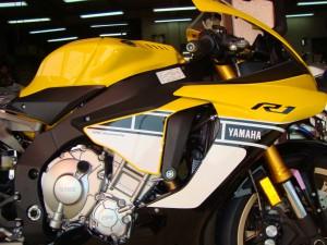 YZF-R1 002